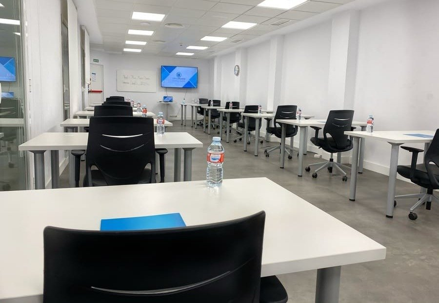 sala de formacion tipo master en officemadrid